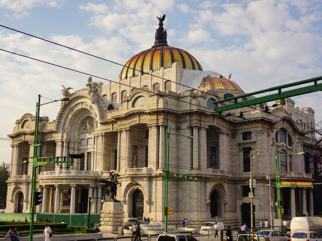 The Palacio de Bellas Artes is a prime example of Mexico City architecture.